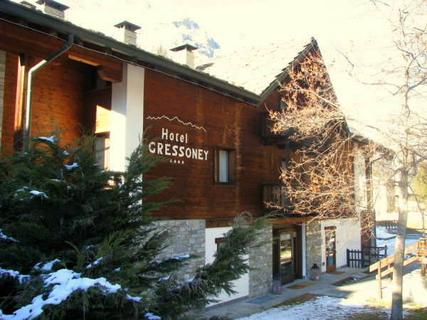 hotel-gressoney-esterno-2